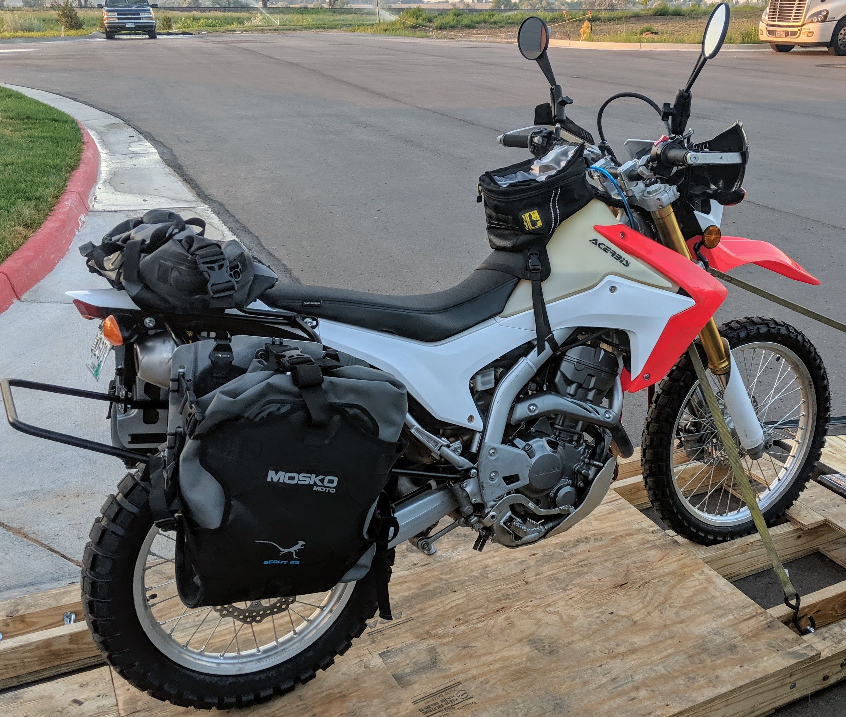 Honda CRF250L with Mosko Pannier Scout 25.jpg